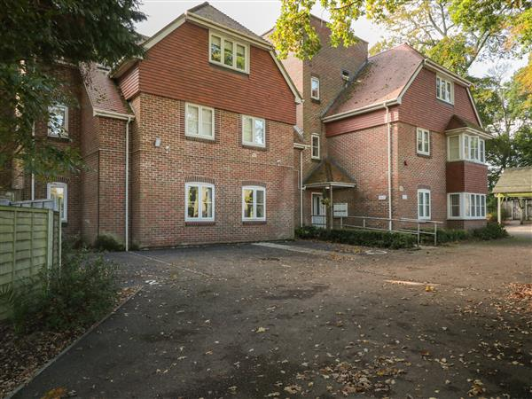 Flat 4 in Hampshire