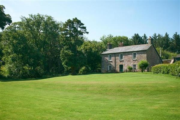 Forest Lodge Farmhouse in Powys