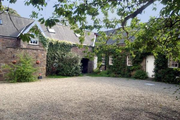 Foresters Granary Stable Loft in Powys