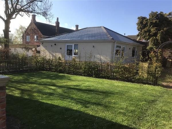 Gabby's Garden Cottage in Roos, North Humberside