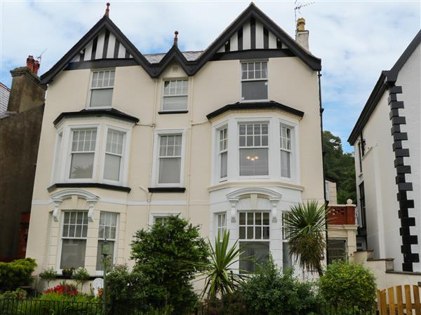 Garth House Apartment 1 in Gwynedd