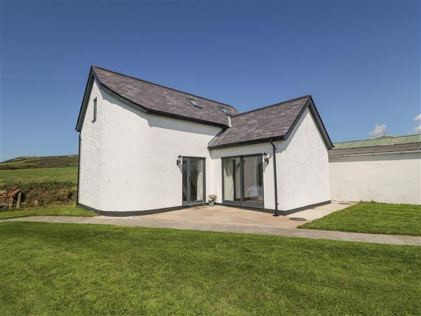 Glan Yr Afon from Sykes Holiday Cottages