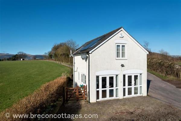 Glanpant Bach in Powys