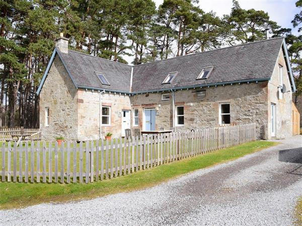 Glenrossal Cottages - Rowan Cottage in Sutherland