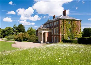 Goodnestone Park - Sleeps 18 in Kent