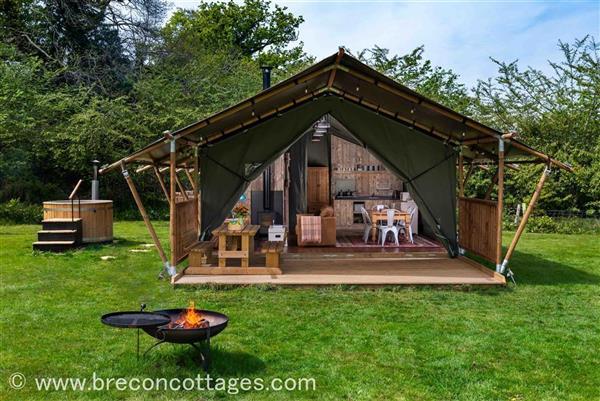 Goshawk Lodge in Talybont-on-Usk, Powys