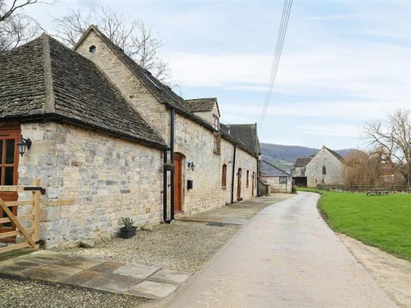 Grand Saxon Barns in Gloucestershire