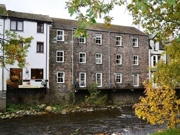 Greta Side Court Apartments no 2 in Cumbria