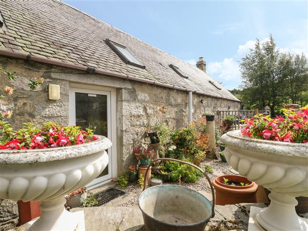 Grouse Cottage in Laggan, Inverness-Shire