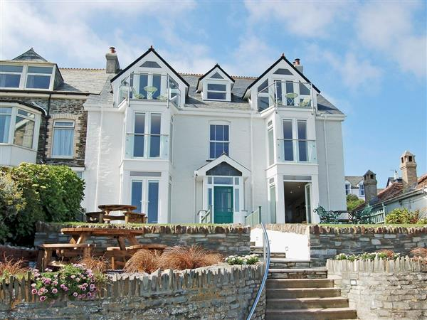 Halcyon Apartments - The Penthouse in Cornwall