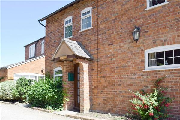 Hall Farm Cottages - Gardeners Cottage in Worcestershire