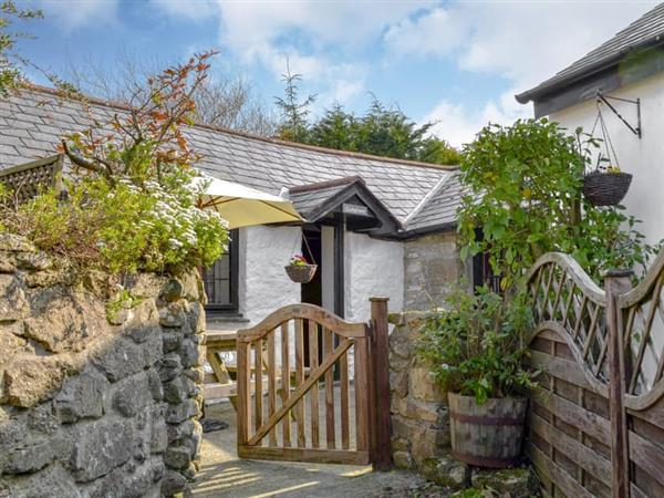 Hallagenna Farm Cottages - Ladydown Cottage in St Breward, near Bodmin, Cornwall