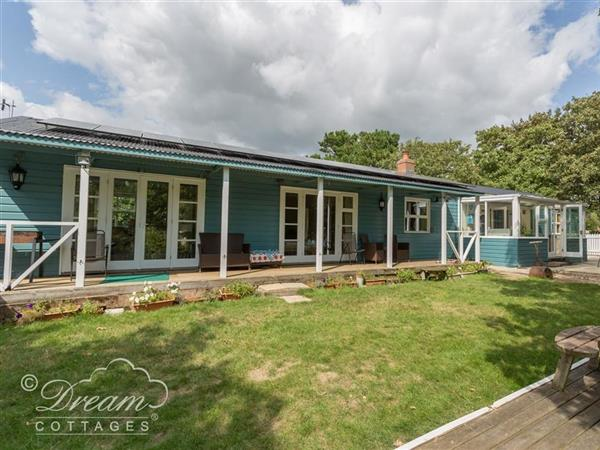 Harbour View Bungalow in Dorset