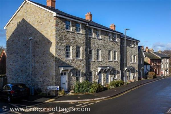 Hay Townhouse in Powys