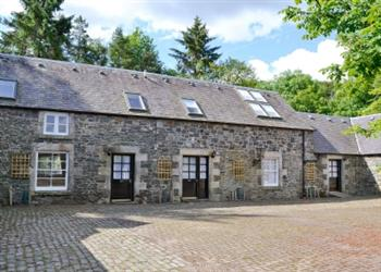 Hearthstanes Cottages - Mathieside Cairn in Lanarkshire