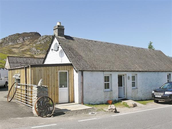 Heather Cottage in Inverness-Shire