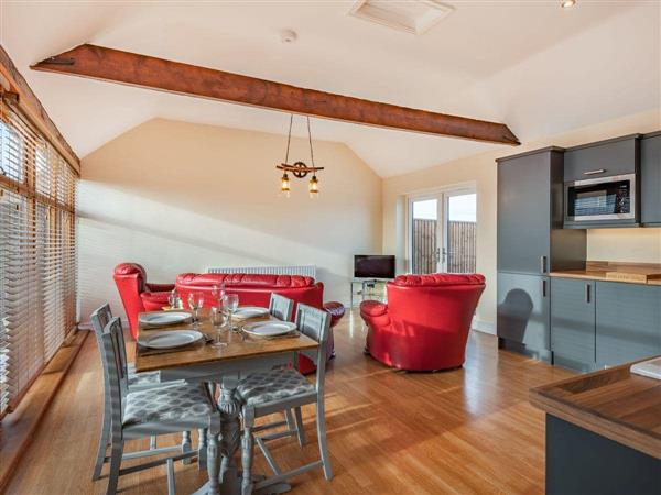 Helsey Farm Holiday Cottages- The Cow Shed, Helsey, near Skegness, Lincolnshire