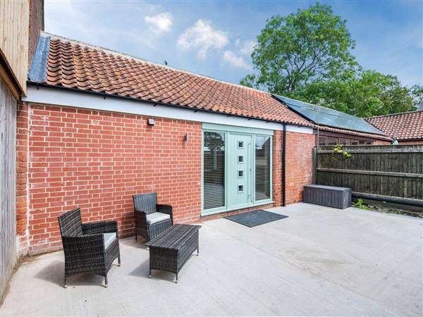 Helsey Farm Holiday Cottages- The Parlour in Helsey, near Skegness, Lincolnshire