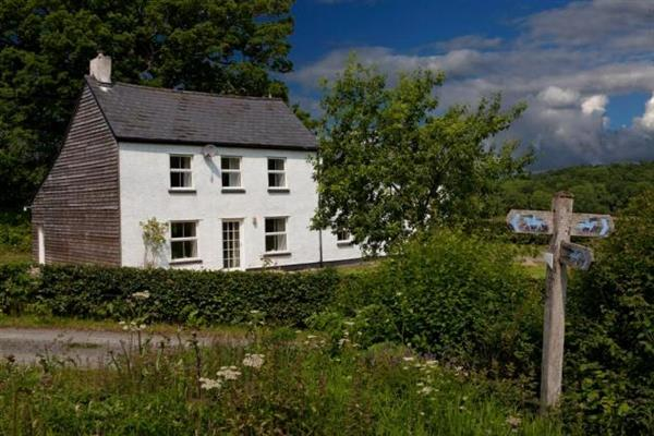 Hendre Farmhouse in Powys