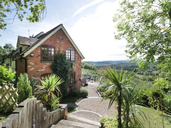 Hillview Cottage in Worcestershire