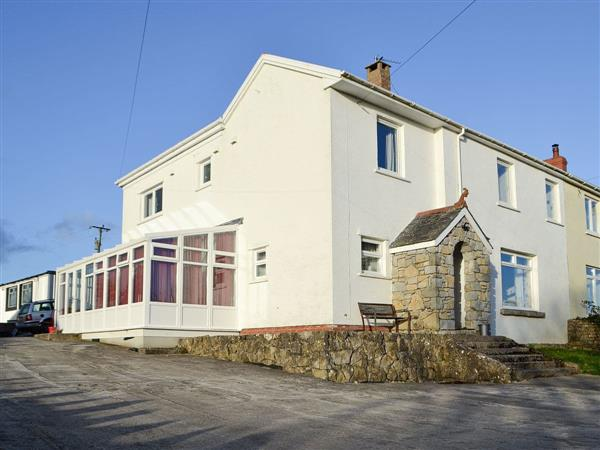 Hilton Holiday Homes - The Great White House in South Glamorgan