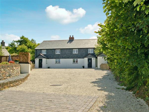 Home Park Cottages - Number One in Cornwall