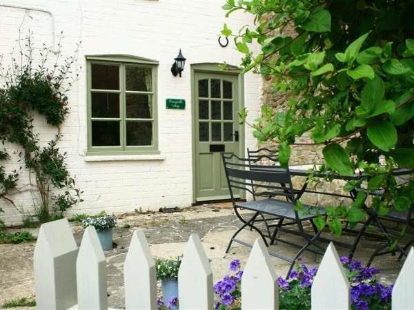 Honeysuckle Cottage in Oddington, Gloucestershire