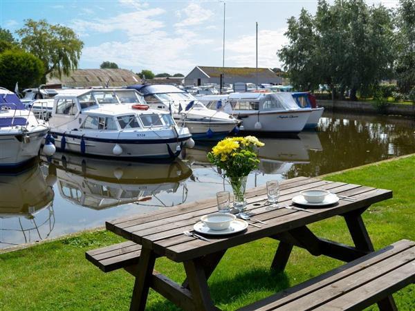 Houseboats - Ardea in Norfolk