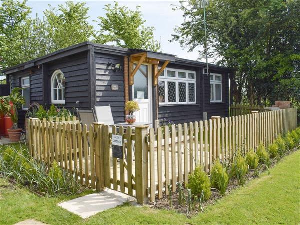 Hunston Mill - Glen Cottage in West Sussex