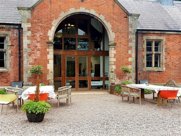 Ingestre Lodges - Chetwynd Lodge in Staffordshire