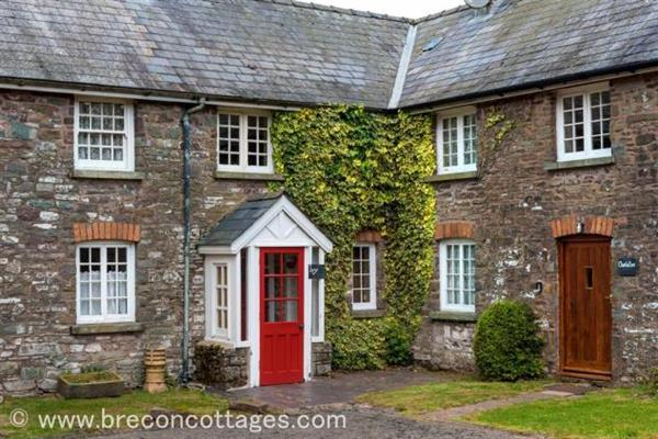 Ivy Cottage in Powys
