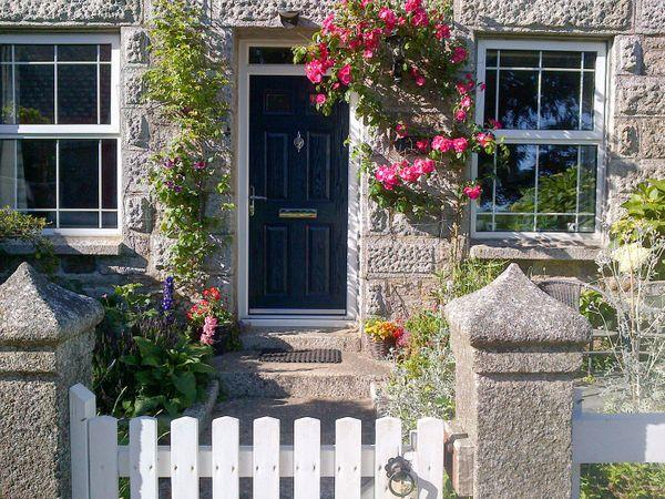 Jackdaw Cottage in Cornwall