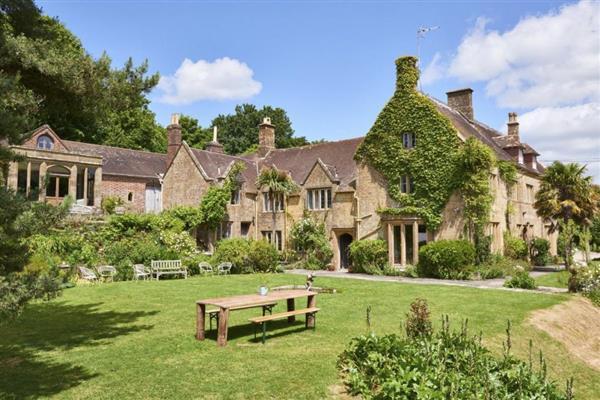 Jurassic Manor, Dorset