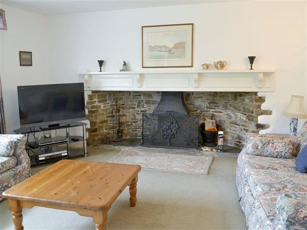 Kennacott Court Cottages - The Farmhouse in Cornwall
