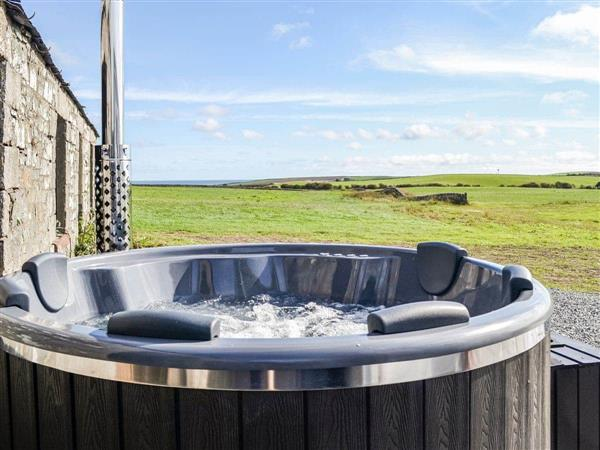 Kevans Farm - The Seaview Retreat, Whithorn, Newton Stewart, Wigtownshire with hot tub