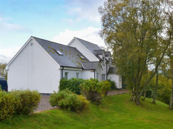 Kinchellie - Corrie View Cottage in Near Roy Bridge, Inverness-Shire