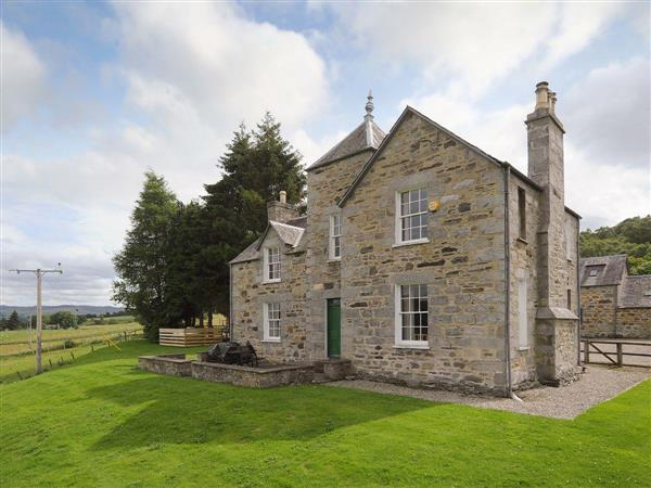 Kinnaird Estate Cottages - Craignuisq Farmhouse in Perthshire