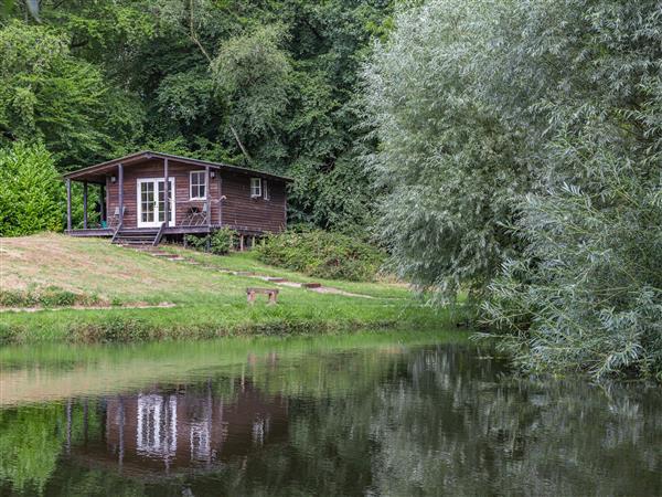 Lakeside Cabin in Devon