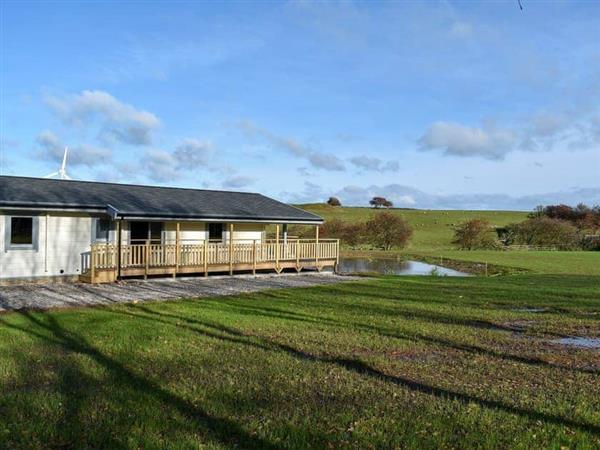 Larch Lodge, Ulverston, Cumbria with hot tub