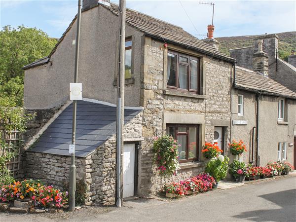 Lees Cottage in Derbyshire
