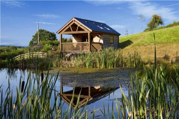 Lily Pond Lodge in Powys