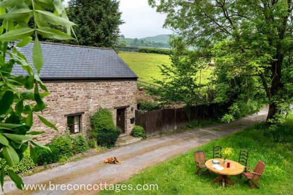 Little Hill Barn in Powys