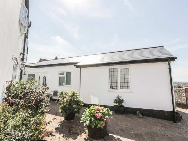 Little White Cottage in West Midlands
