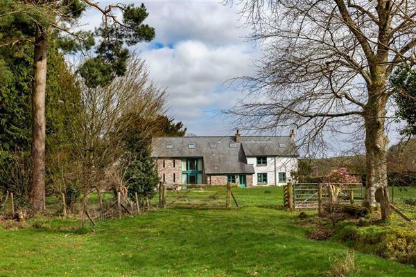 Llandefaelog Cottage in Llandefaelog Fach, Powys