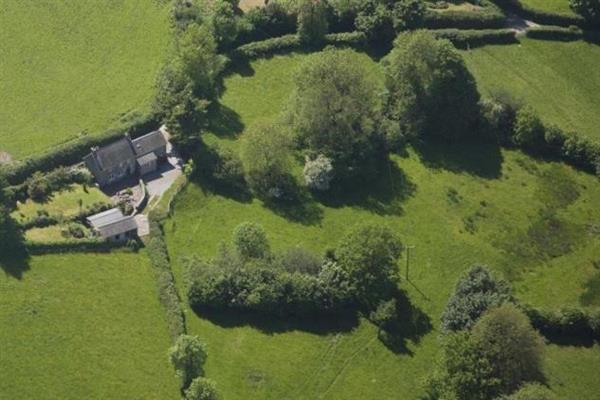 Llwyn-y-fron in Powys