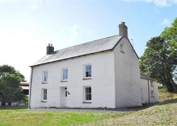 Llwyncadfor Farmhouse in Dyfed