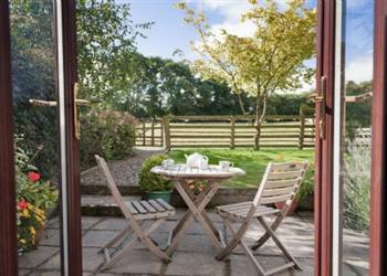 Llwyncrwn Farm Cottages - Hen Hafod in Dyfed