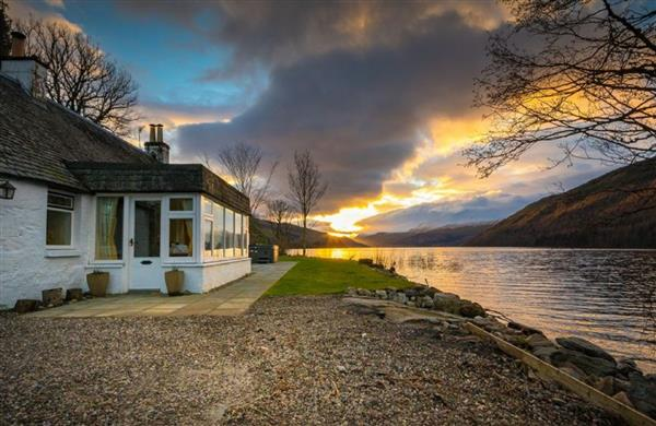 Lochside Cottage in Perthshire