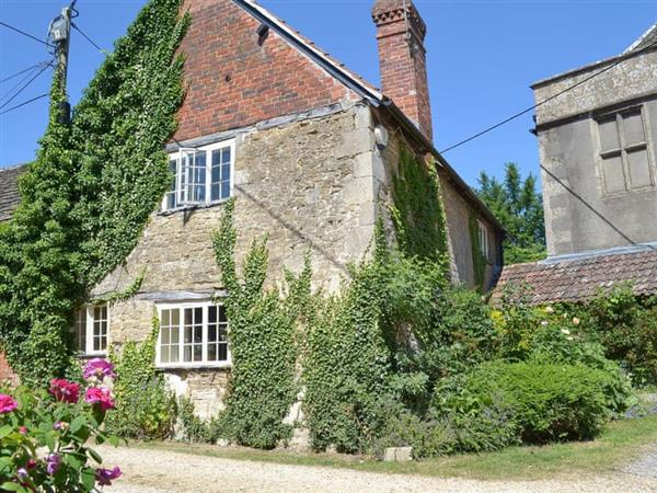 Longs Arms Cottage in Wiltshire