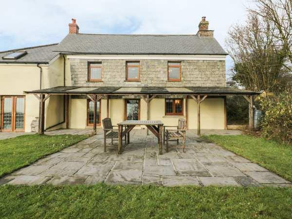 Lower West Curry Farmhouse in Cornwall